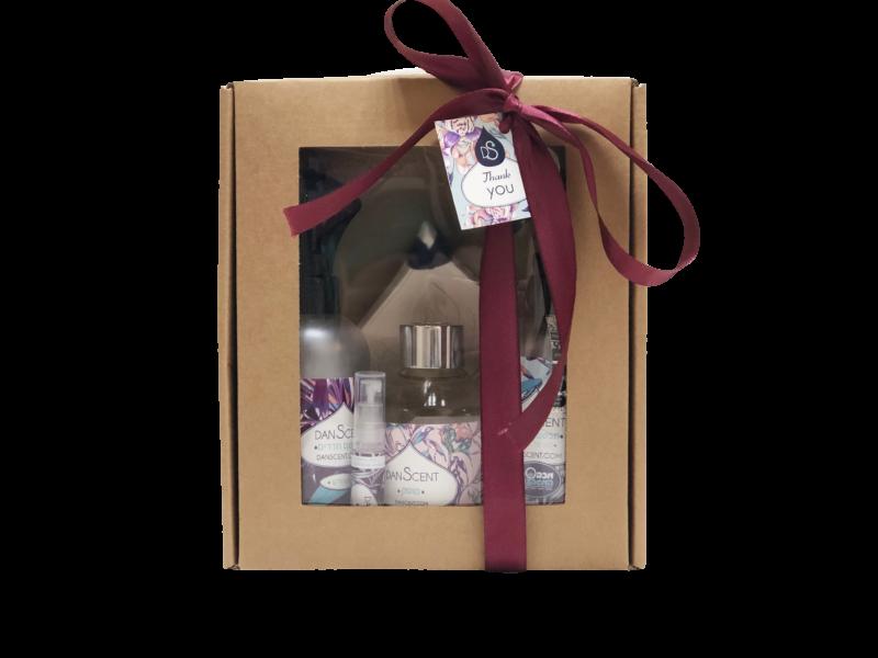 מארז מתנה מבשם כביסה 250 מבשם חדרים 250 מפיץ ריח מקלות מפיץ קרמיקה ו6 מל תמצית ריח
